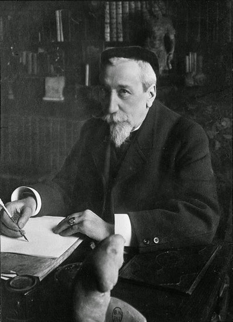 Anatole France, La messe des ombres, Ghost stories,Relatos de fantasmas,  Relatos de misterio, Tales of mystery, Relatos de terror, Horror stories, Short stories, Science fiction stories, Anthology of horror, Antología de terror, Anthology of mystery, Antología de misterio, Scary stories, Scary Tales