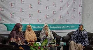 MENEGAKKAN ISLAM, MEMULIAKAN PEREMPUAN  (Kritik atas Feminisme dan Kesetaraan Gender)