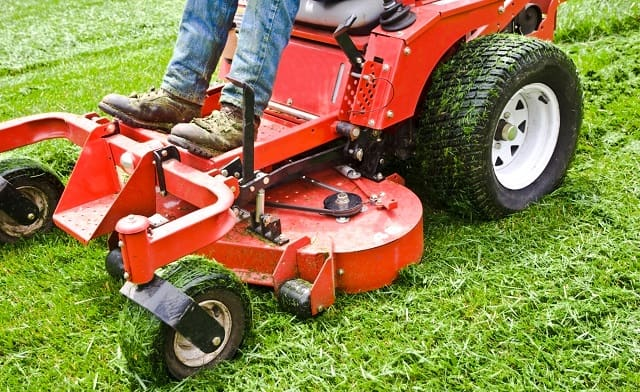 attract customers affordable commercial landscaping