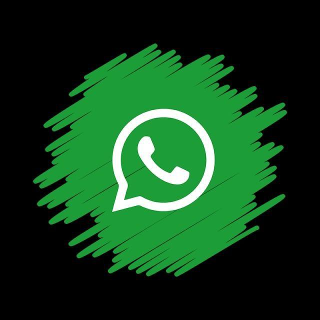 What is if social media is family? 👪 who do what? -Classy colouR   #socialmedia Instagram Fb Telegram......