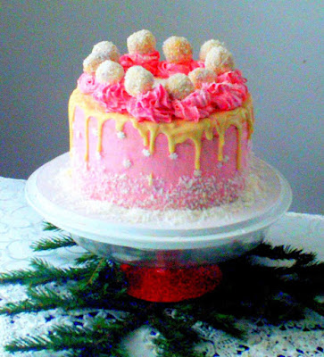 zimowy-tort-zurawinowy