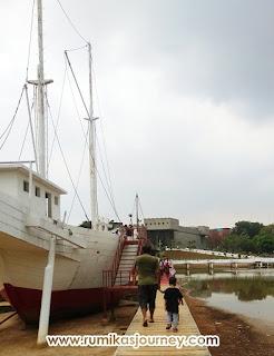 kapal-phinisi-museum-keprajuritan-tmii-jakarta