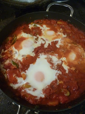 Catch up, Eggs Shakshuka & Baguette Pizza