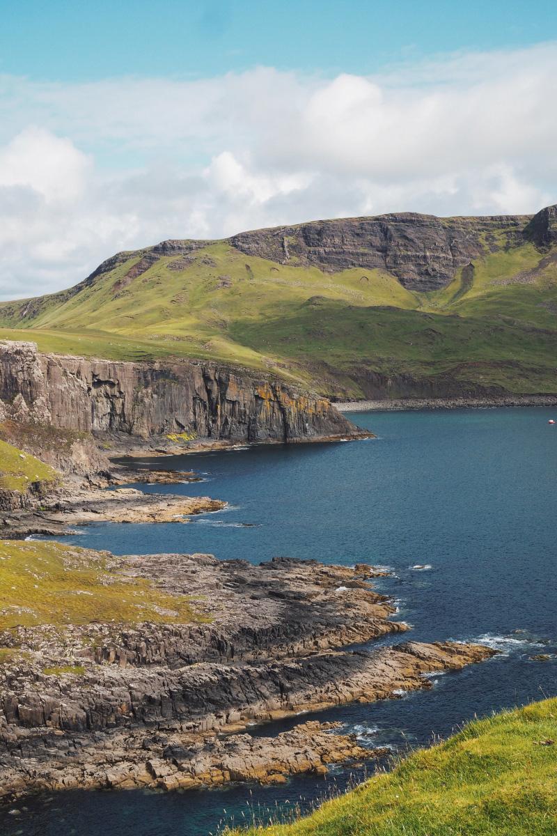 Les falaises de la baie de Waterstein head sur l'île de Skye