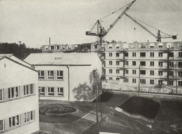 1960-е годы. Рига. Югла. Улица Ленина (сейчас - Бривибас гатве, 363). Детский садик № 112 и строящийся дом по нынешнему адресу Бривибас гатве, 365