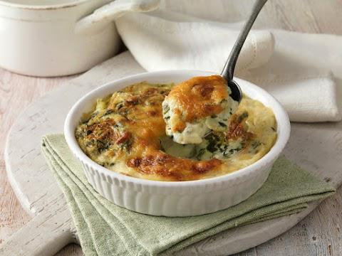 Tejszínes tepsis krumpli spenóttal és sok sajttal: nem szárad ki a sütőben