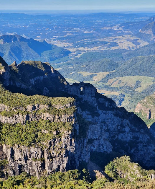 Morro da Igreja e Pedra Furada em Urubici