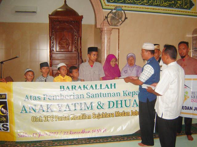 Peduli Sesama, PKS Medan Johor Gelar Buka Puasa Bersama dan Santunan Anak Yatim dan Dhuafa