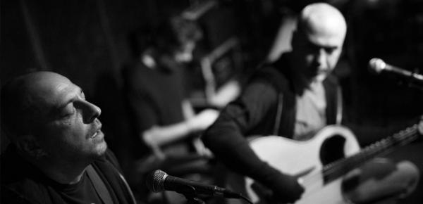 Κώστας Χρονόπουλος & Γιάννης Μπαϊρακτάρης live acoustic στο Ναύπλιο