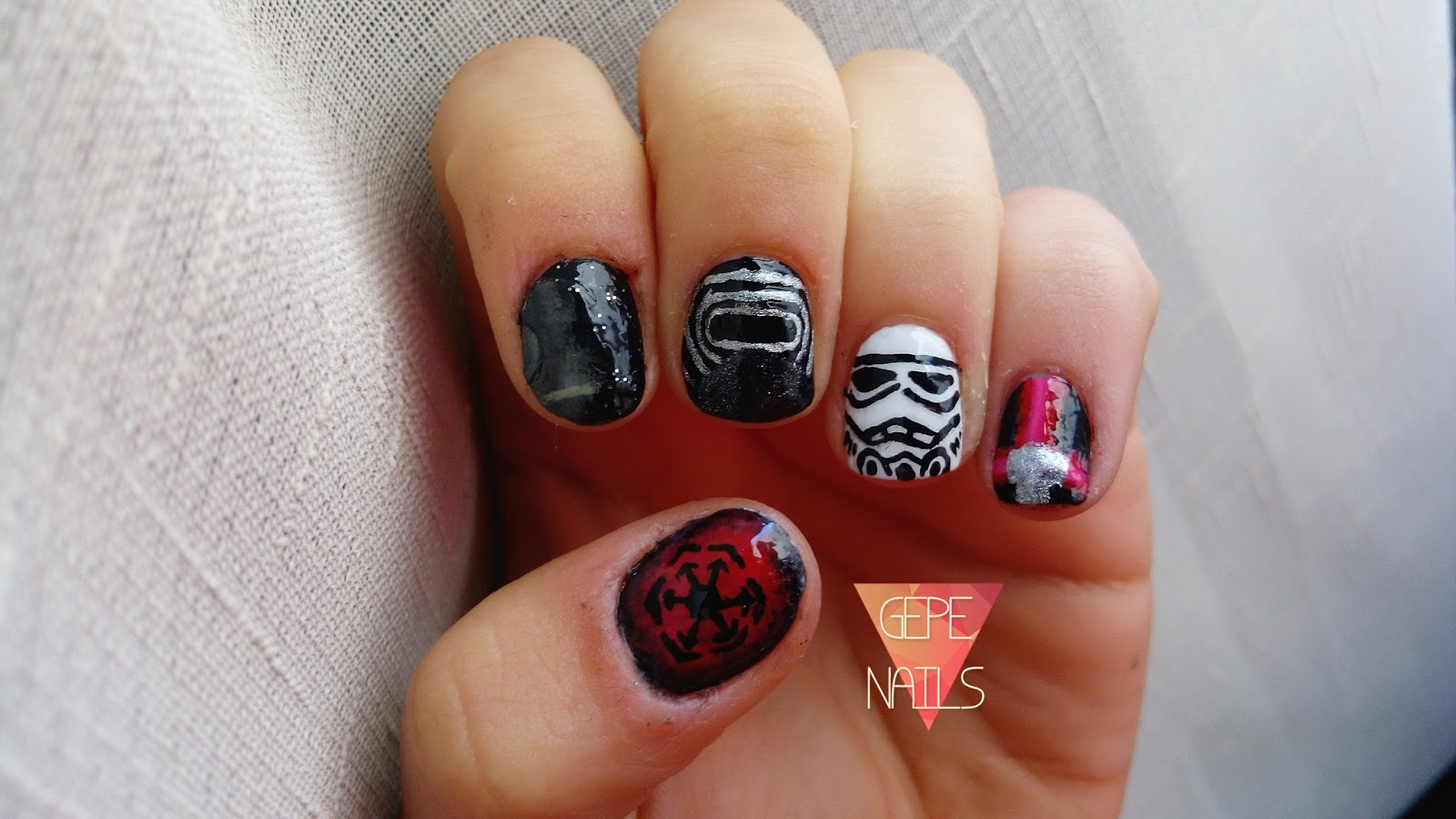 Gepe-nails: May the force be with you. #STARWARS
