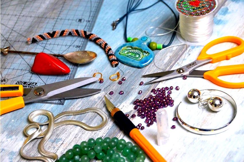 Biżuteria handmade - oryginalny sposób na uzupełnienie stylizacji