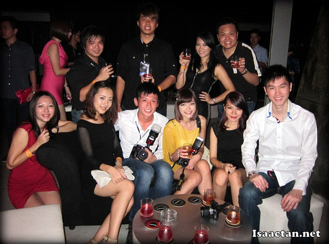 A group photo of some of the many happening bloggers that turned up that night