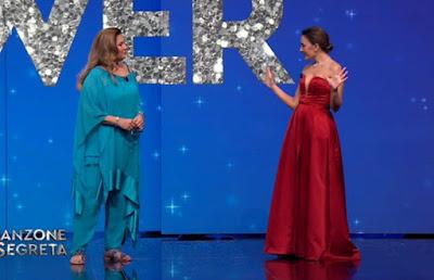 Romina Power Serena Rossi abbigliamento vestiti canzone segreta 19 marzo