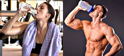 Tomar agua hidratarse pesas gym hombre mujer