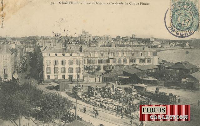 la grande cavalcade du Cirque Pinder prête au départ pour défiler dans les rue de la ville