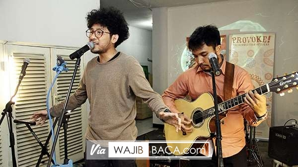 Kunto Aji Konser, Foto Gitaris Bandnya Bikin Netizen Hingga Lambe Turah Geger!