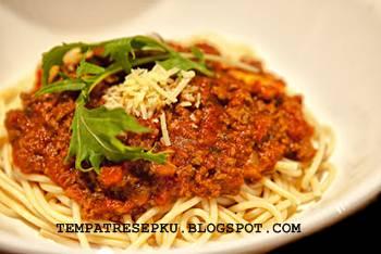 Mie khas italy atau italian ini dengan saus daging enak  sungguh gampang cara menciptakan nya  Resep Spaghetti Saus Daging Sapi Giling Spesial