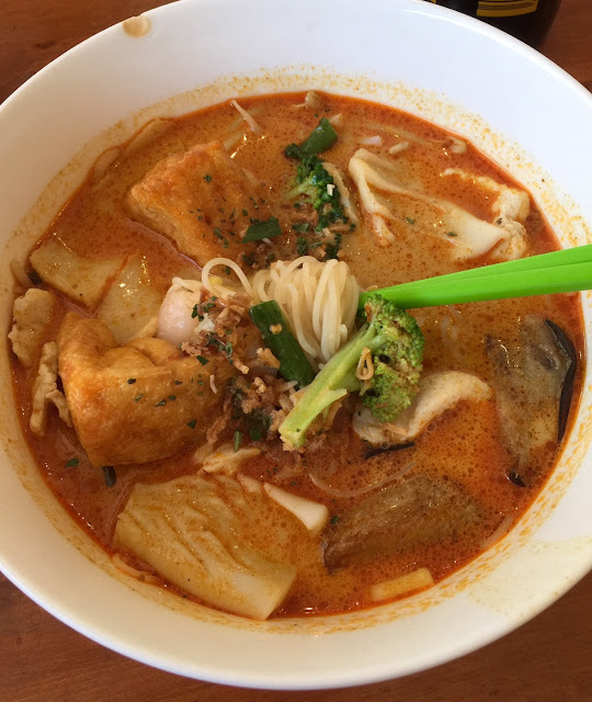 4 Seasons Laksa, seafood curry laksa