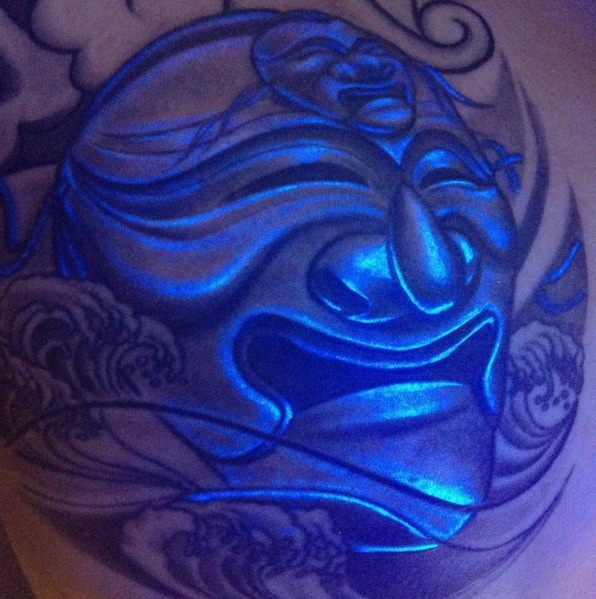 #16. A Hanoe mask, a Korea traditional mask. - 30 Glow-In-The-Dark Tattoos That'll Make You Turn Out The Lights.