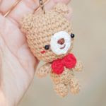 http://meemanan.com/post/157219612552/free-pattern-the-simply-bear-keychain-happy