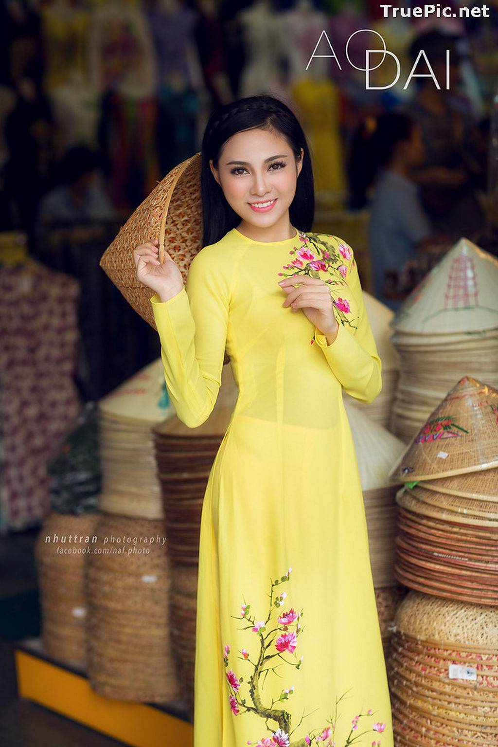 Image The Beauty of Vietnamese Girls with Traditional Dress (Ao Dai) #5 - TruePic.net - Picture-9