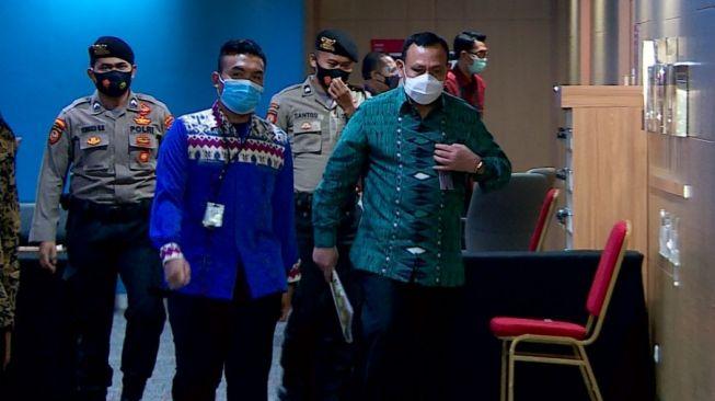 Selesai Jalani Sidang Etik, Ketua KPK Firli Bahuri Kembali Hindari Wartawan, Ada Apa?