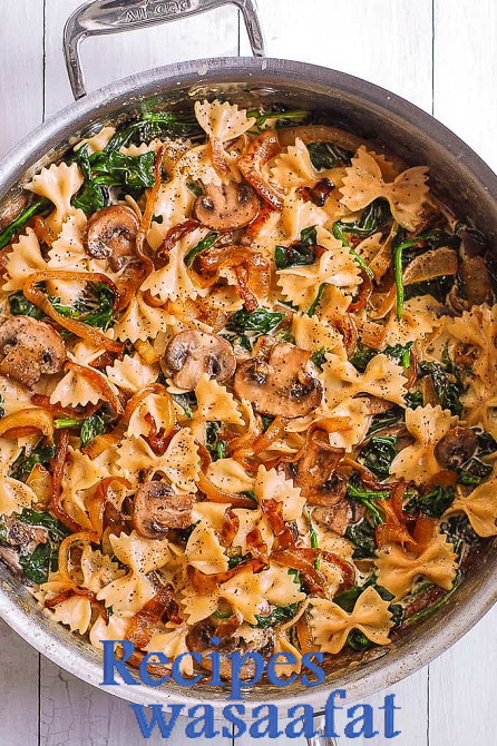 Farfalle Pasta with Spinach, Mushrooms, and Caramelized Onions