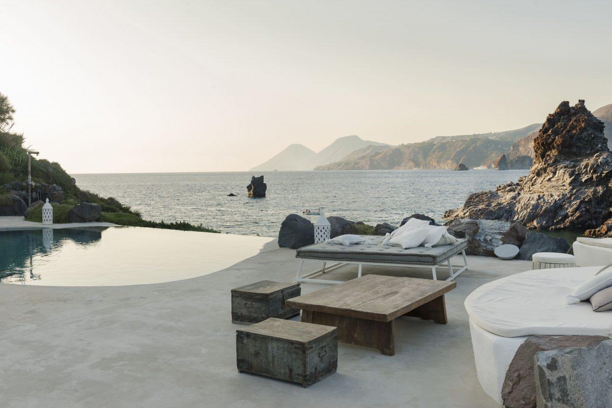 Villa Pyro Pyro, A splendid villa on Vulcano island, Sicily