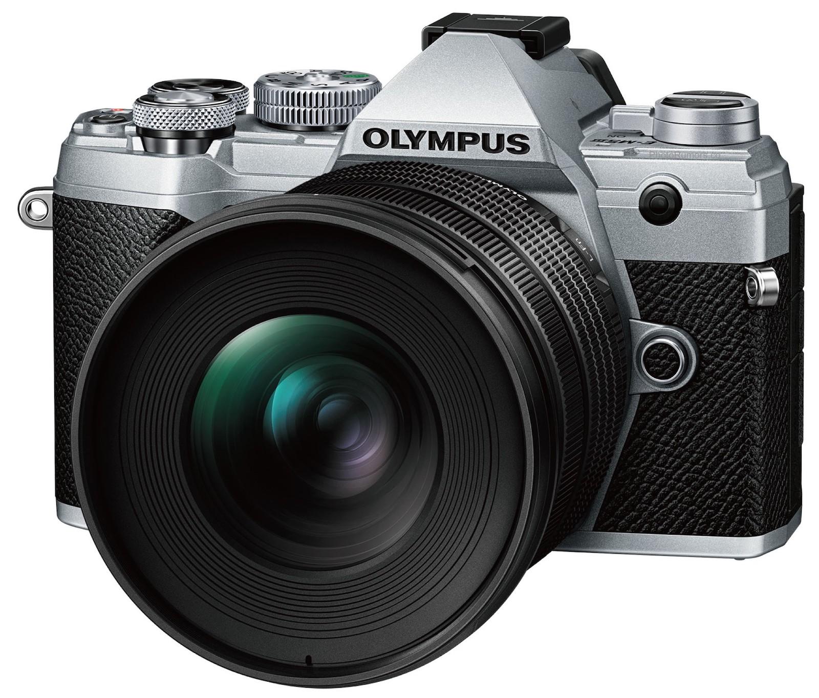 Объектив Olympus M.Zuiko Digital 8-25mm f/4 Pro с камерой Olympus