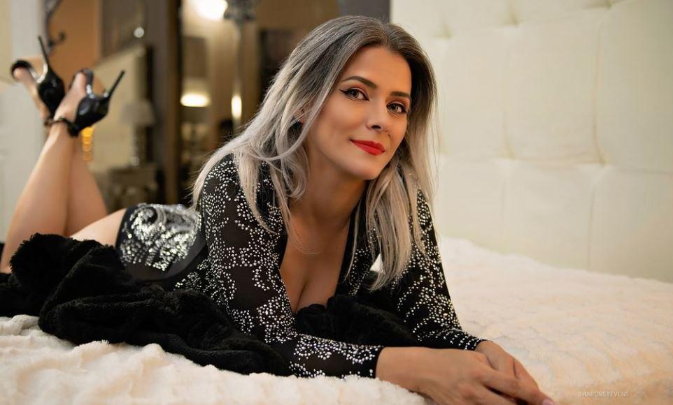 https://www.glamourcams.live/chat/SharonStevens