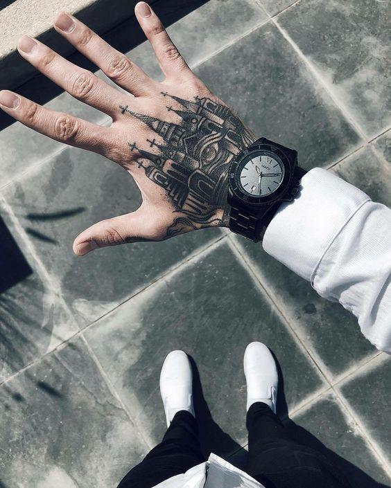 tatuagem masculina na mão fechada masculino desenho