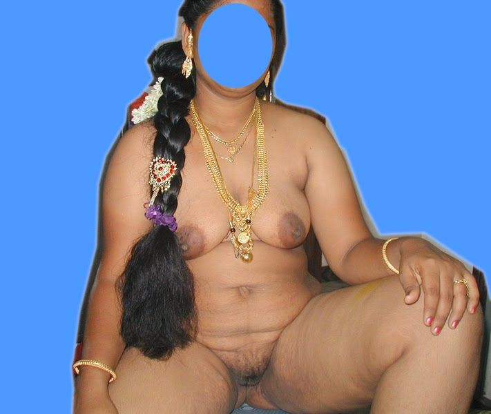 Chechi Nude Photos