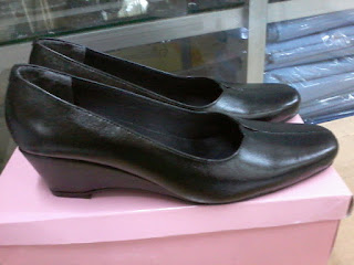 Sepatu Jalasenastri