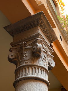 Columns in the courtyard of a palazzo on via Pelabrocco.