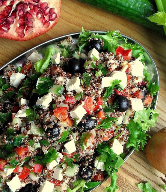 Sałatka grecka z komosą ryżową / Quinoa Greek Salad