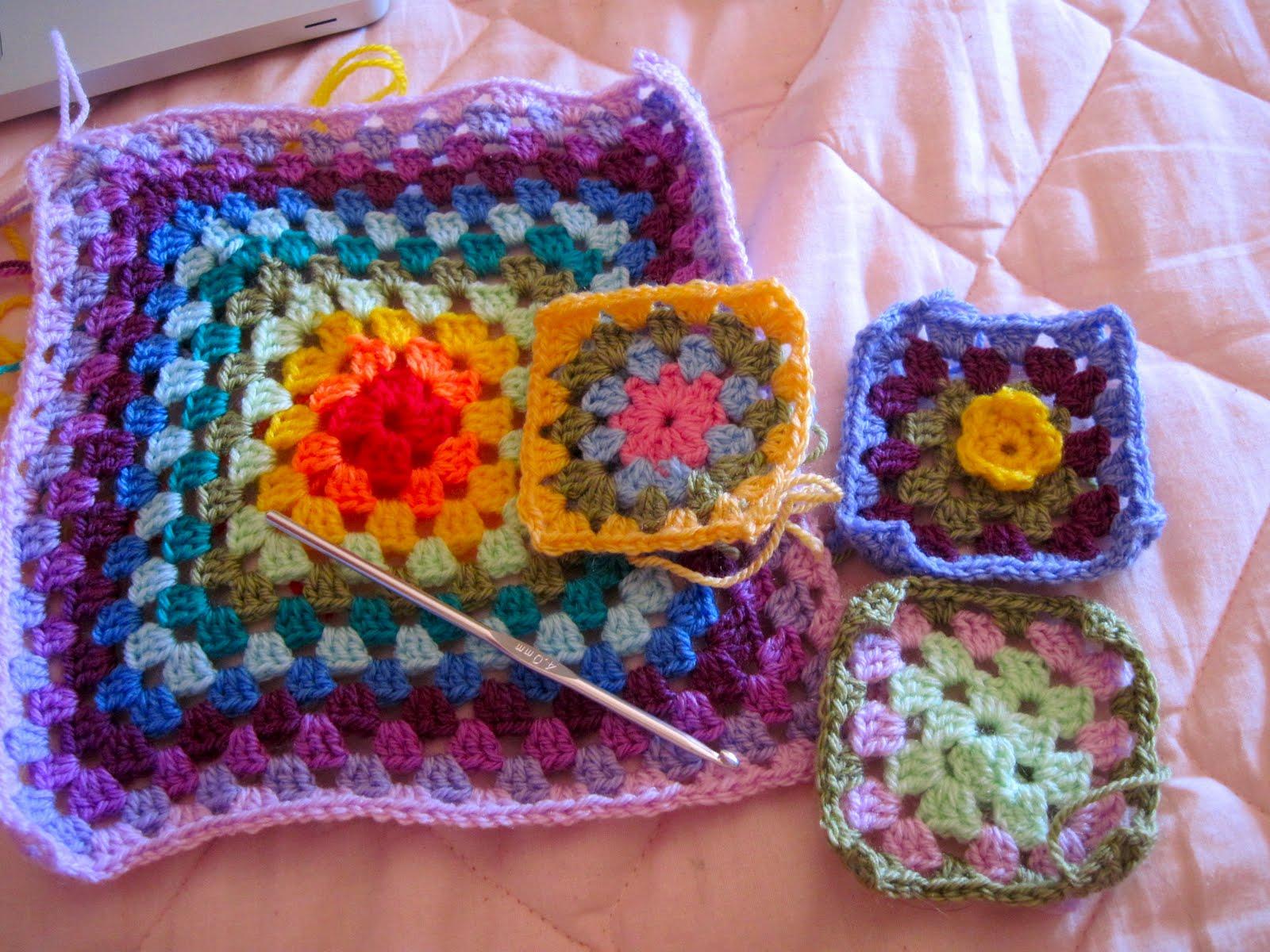 Le cose di mys maglia uncinetto telaio tutorial e le piastrelle granny per la coperta - Schemi piastrelle uncinetto ...