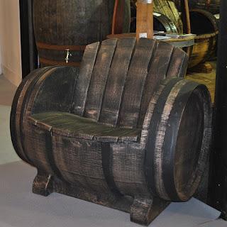 Möbel aus Fässern