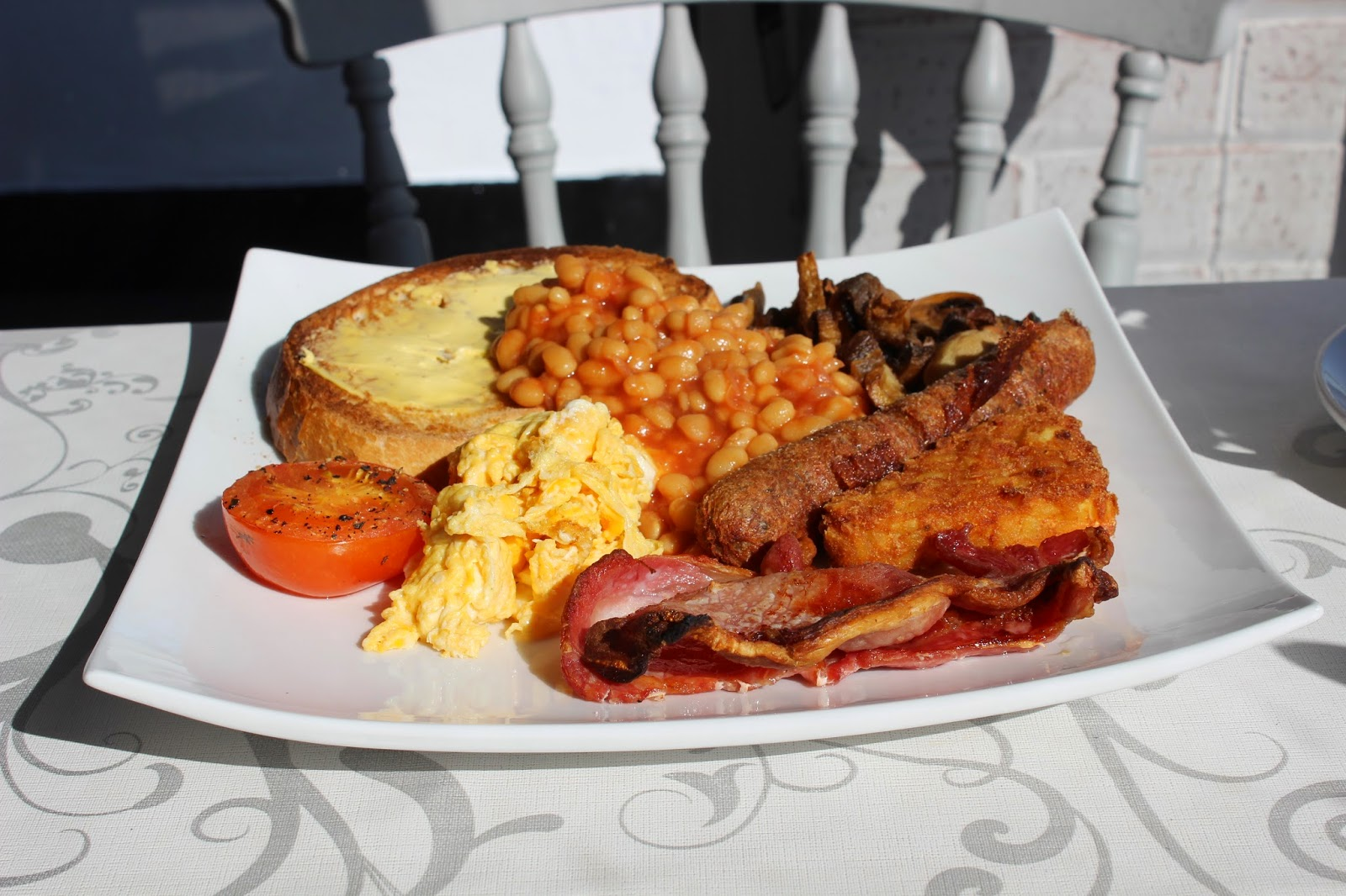 breakfast at Oliver's On The Mount cafe, Scarborough
