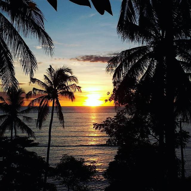 foto sunset di pantai senggigi lombok