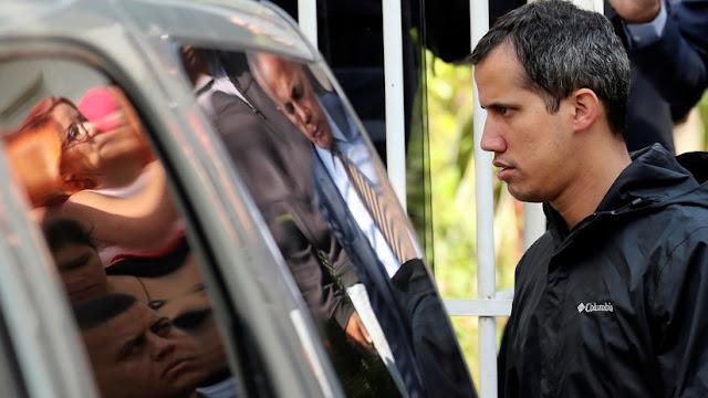 Un grupo de desconocidos ataca la camioneta de Juan Guaidó en Caracas