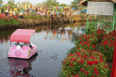 Bebek Engkol Rajati Flower Garden
