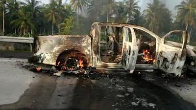 (Video) Mobil Terbakar di Tol Lampung KM. 32 Kalianda