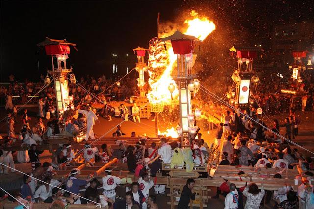 Abare Matsuri (Act Up Festival), Noto Town, Ishikawa Pref.