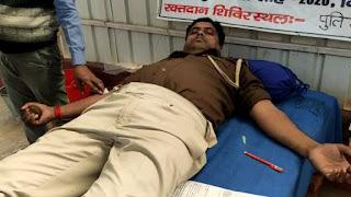 बिहार पुलिस सप्ताह के तहत आज रोहतास के डेहरी में पुलिस कर्मियों द्वारा ब्लड डोनेशन कैंप का आयोजन किया गया।