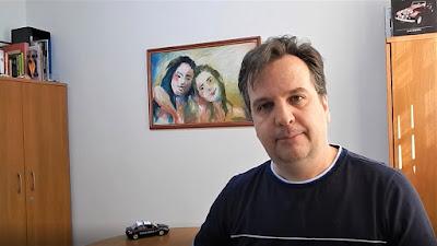 Jean Tosetto (quem?) no dia da gravação do vídeo sobre o papel do arquiteto em um novo mundo. Clique na imagem para acessar o canal no YouTube.