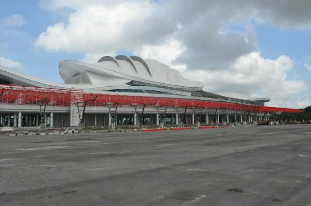 terminal baru bandara tjilik riwut palangkaraya depan
