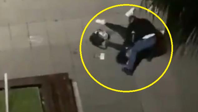 Kızının Yanında Annesini Öldüresiye Dövdü
