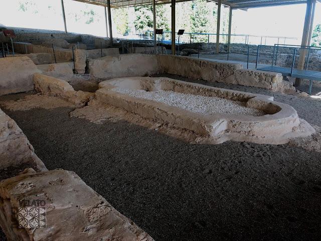 Fuente del peristilo de la villa romana de El Ruedo en Almedinilla