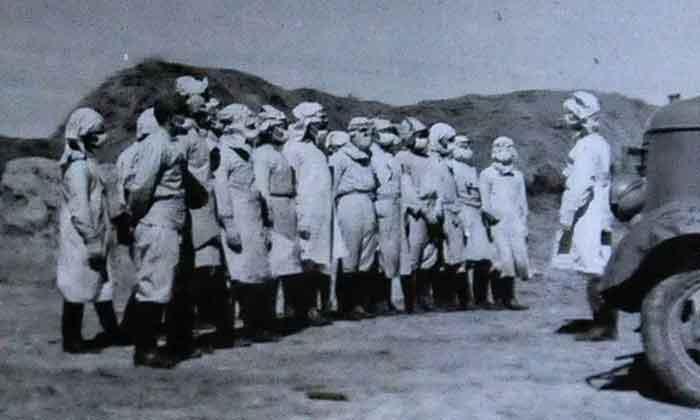 Unit 731 Jepang melakukan penelitian perang biologis di provinsi Jilin, Cina, pada tahun 1940. Foto: Wang Haofei / Rex