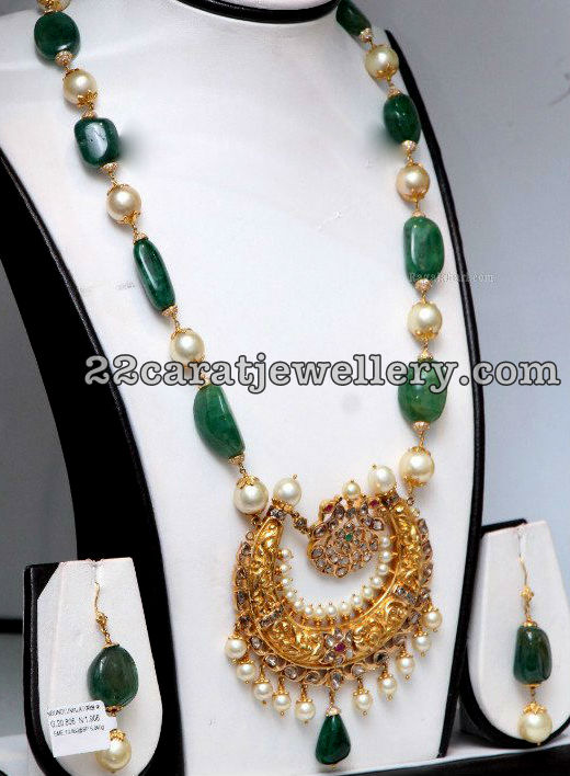 Emerald Beads Long Chain Nakshi Locket